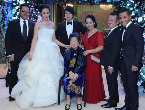 Đám cưới bí mật hạng sang của Thanh Bùi - 1