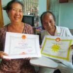 Tin tức trong ngày - Đôi vợ chồng già bán nhà nuôi con người khác… ăn học