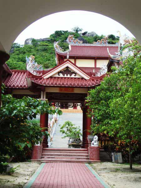 Vãn cảnh Linh Phong- ngôi chùa cổ ở Bình Định - 9