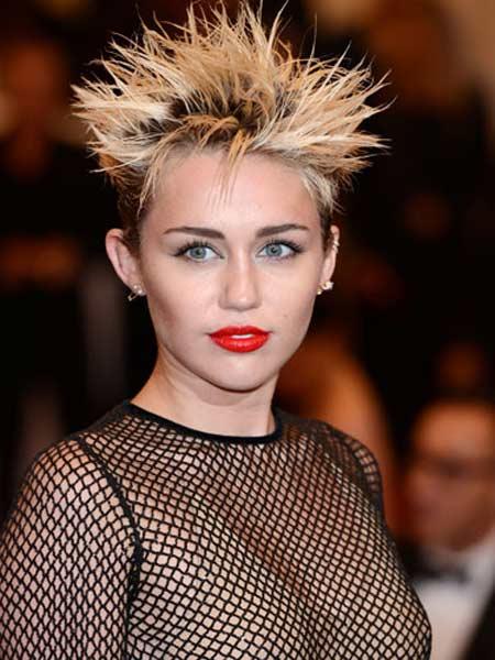 Những mái tóc xấu nhất 2013 của ngôi sao - 6