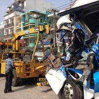 Tai nạn liên hoàn, tài xế chết kẹt trong cabin