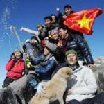 Du lịch - Chinh phục đỉnh Fansipan trong tuyết trắng