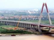 """Hà Nội: Đất Đông Anh """"sốt sình sịch"""" vì cầu Nhật Tân"""