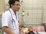 Cứu sống bé trai mắc bệnh có một không hai tại Việt Nam