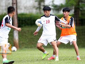 U19 Việt Nam: Công Phượng phải chơi đồng đội hơn