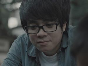 """Bùi Anh Tuấn """"trở về tuổi thơ"""" trong MV mới"""