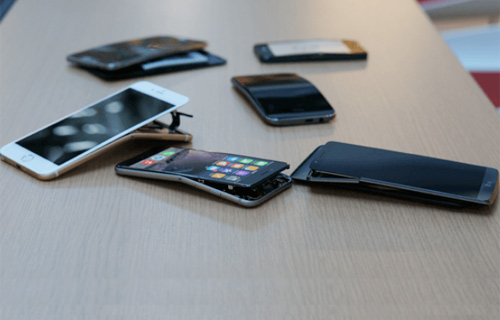 """Galaxy Note 3 chịu lực tốt nhất, iPhone 6 Plus không hề... """"mềm"""" - 1"""