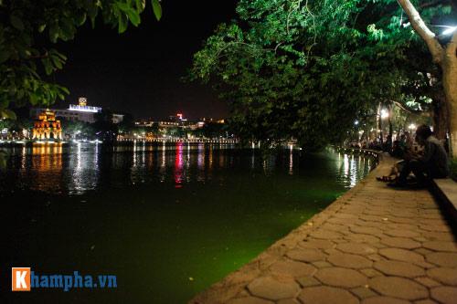 Hồ Gươm rực sáng mừng kỉ niệm 60 năm giải phóng Thủ đô - 6