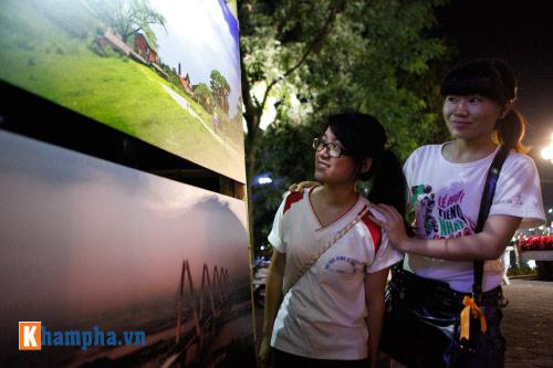 Hồ Gươm rực sáng mừng kỉ niệm 60 năm giải phóng Thủ đô - 10