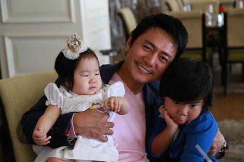 """""""Jang Dong Gun"""" Việt khoe vợ con hạnh phúc tại Mỹ - 10"""