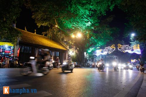 Hồ Gươm rực sáng mừng kỉ niệm 60 năm giải phóng Thủ đô - 12
