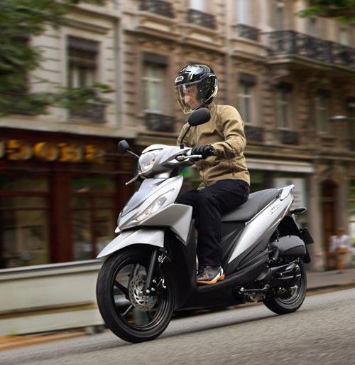 Suzuki công bố xe tay ga phổ thông Adress - 2