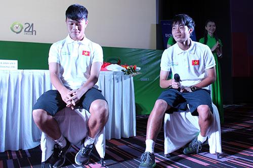 """Các cầu thủ U19 """"đốt nóng"""" lễ ra mắt BallBall ở VN - 10"""