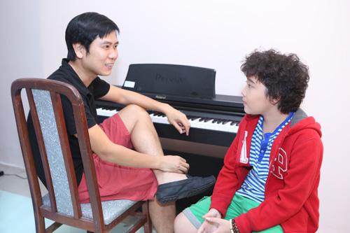 """""""Đột nhập"""" hậu trường Chung kết The Voice Kids - 13"""
