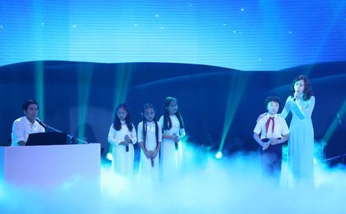 Cô bé Bình Định đăng quang The Voice Kids - 12