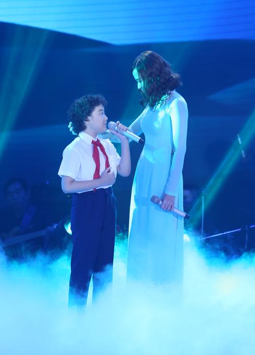 Cô bé Bình Định đăng quang The Voice Kids - 11