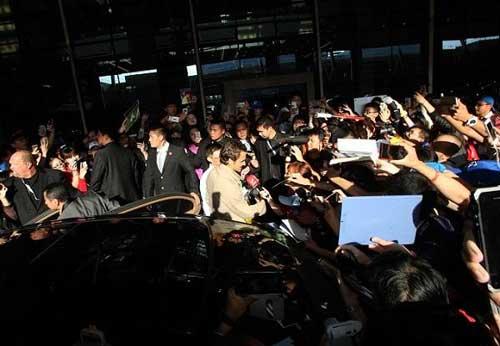 """Tin HOT 5/10: Federer bị """"quây"""" ở Thượng Hải - 1"""