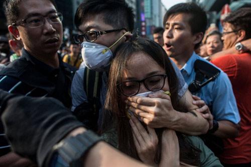 Hong Kong bác bỏ tin dùng xã hội đen chống biểu tình - 3