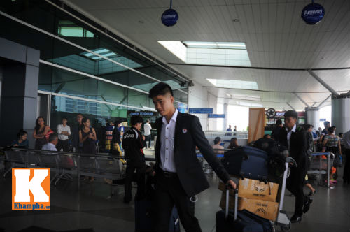 Fan hò reo tiễn U19 VN đi Myanmar so tài giải châu Á - 5
