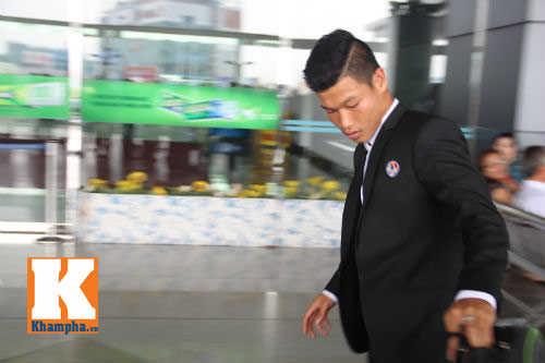 Fan hò reo tiễn U19 VN đi Myanmar so tài giải châu Á - 10
