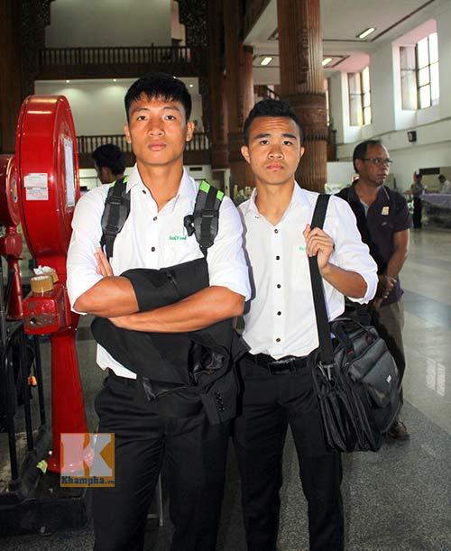Cầu thủ U19 VN phải truyền nước trước khi đi Myanmar - 2