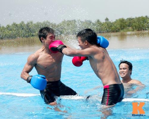 """Muay Thái: """"Độc cô cầu bại"""" Duy Nhất bị knock out - 7"""