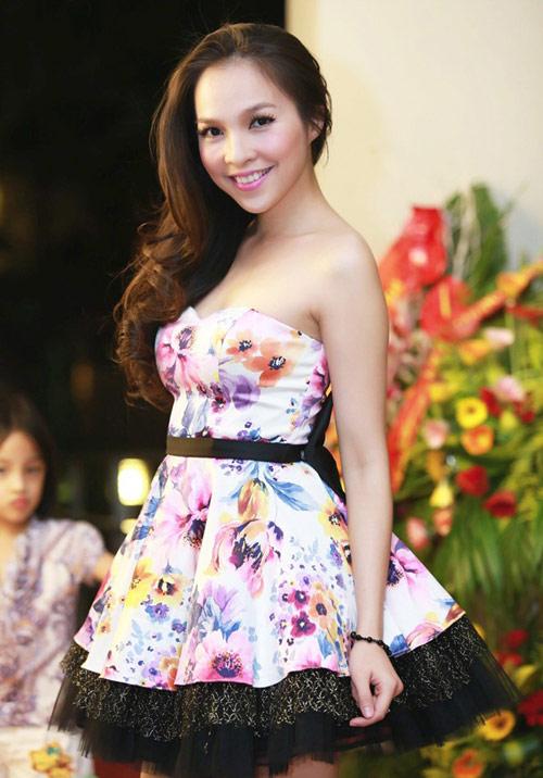 10 giai nhân Việt mặc đẹp nhất tuần qua - 7