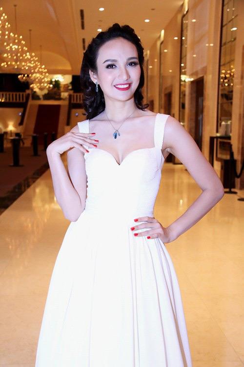 10 giai nhân Việt mặc đẹp nhất tuần qua - 11