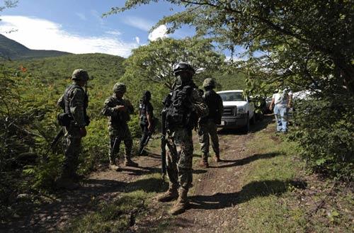 Mexico: Cảnh sát thuê sát thủ giết hại 17 sinh viên - 1