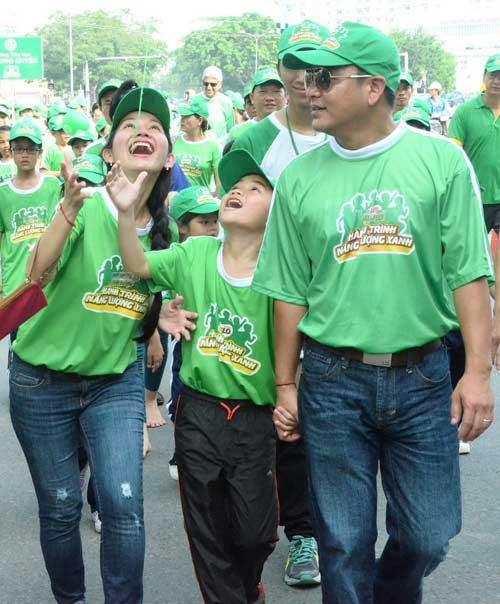 Quang Anh The Voice Kids trổ tài tâng bóng - 1