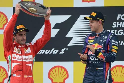 """Ferrari–Vettel khởi đầu những màn """"đi đêm"""" làng F1 - 1"""