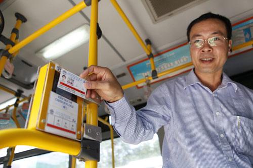 Hà Nội mở tuyến buýt đầu tiên dùng vé điện tử - 6