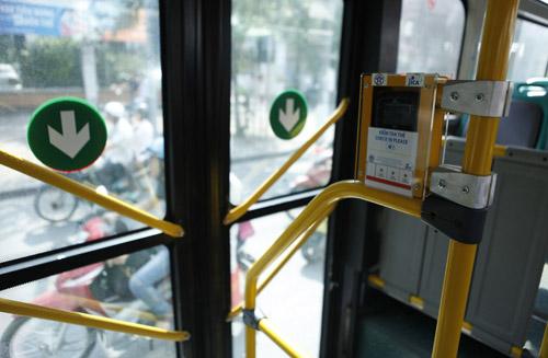 Hà Nội mở tuyến buýt đầu tiên dùng vé điện tử - 8