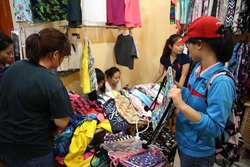 Ghé thăm chợ phiên giá rẻ của giới trẻ Sài Gòn - 9