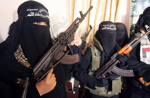 Hành trình từ cô giáo tiểu học đến nữ chiến binh IS - 3