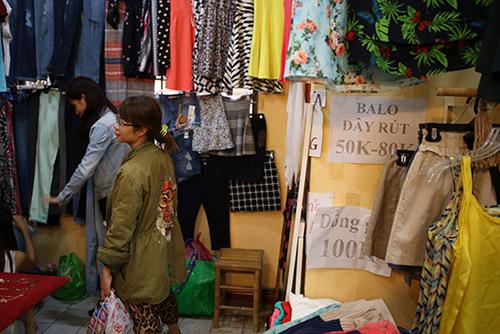Ghé thăm chợ phiên giá rẻ của giới trẻ Sài Gòn - 15
