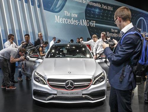 Mercedes-Benz C63 AMG 2015 lộng lẫy tại Paris - 2