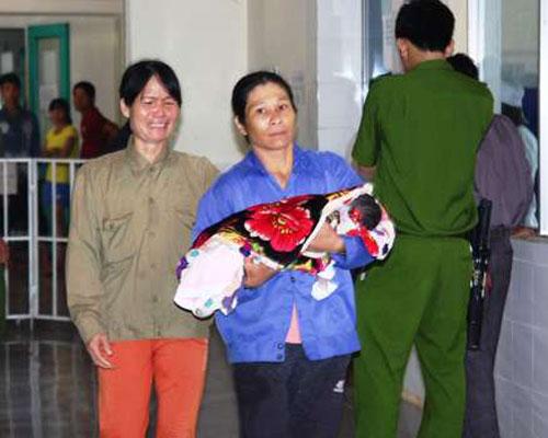 Vụ 3 trẻ tử vong sau tiêm: Khởi tố thêm 2 bị can - 1