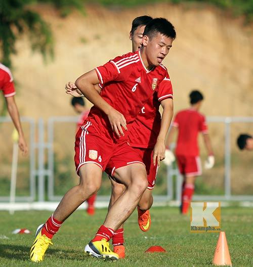 Thần đồng U19 Trung Quốc gây ấn tượng trên sân tập - 8
