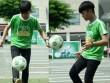 Quang Anh The Voice Kids trổ tài tâng bóng