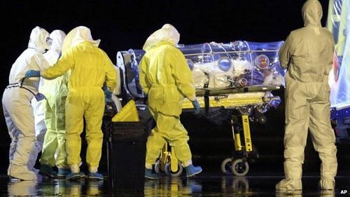 Xuất hiện ca nhiễm Ebola đầu tiên tại châu Âu - 1