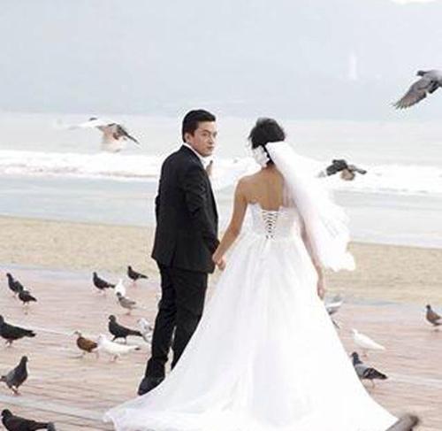 Lộ ảnh cưới của ca sỹ Lam Trường - 1