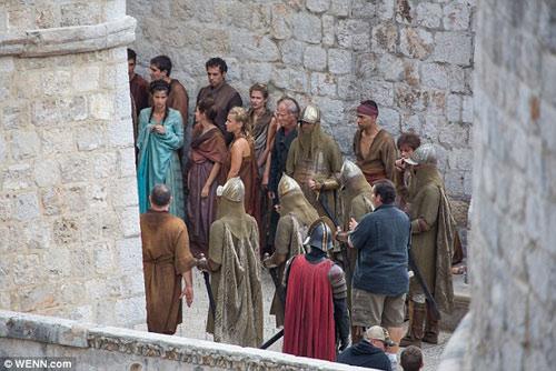 """Phim """"nghẽn sóng"""" HBO chi 4,2 tỷ cho cảnh khỏa thân - 6"""