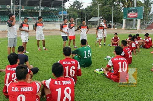 U19 VN: Thầy Giôm động viên trò trước trận đánh lớn - 1