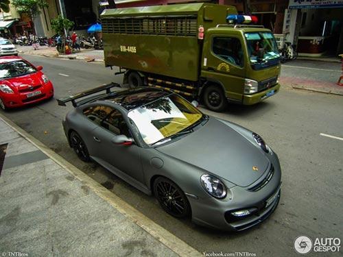 Dàn siêu xe sơn mờ tại Sài Gòn - 2