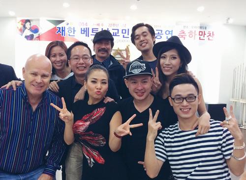 Thầy trò Thu Minh đón Thu lãng mạn tại Hàn Quốc - 11