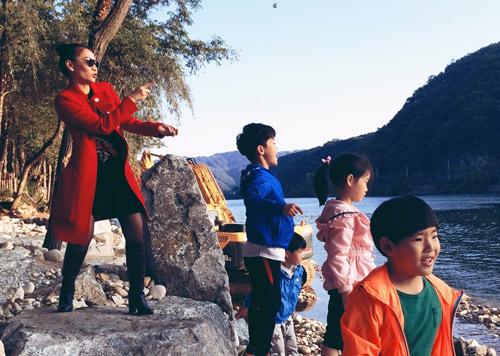 Thầy trò Thu Minh đón Thu lãng mạn tại Hàn Quốc - 7