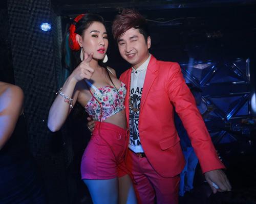DJ Oxy nóng bỏng mừng sinh nhật hôn phu Bằng Cường - 1
