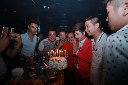 DJ Oxy nóng bỏng mừng sinh nhật hôn phu Bằng Cường - 12