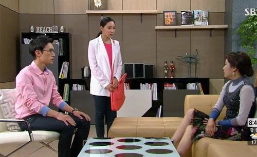 """""""Ác nữ"""" Lee Yu Ri gây bất ngờ vào vai nhu mì, hiền lành - 2"""
